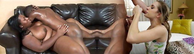 Chunky Daphne Daniels romping black guy
