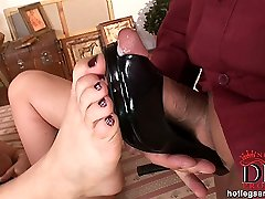 Caroline steamy footjob action