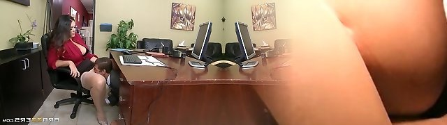 Brazzers - Alison Tyler has a tiny office f